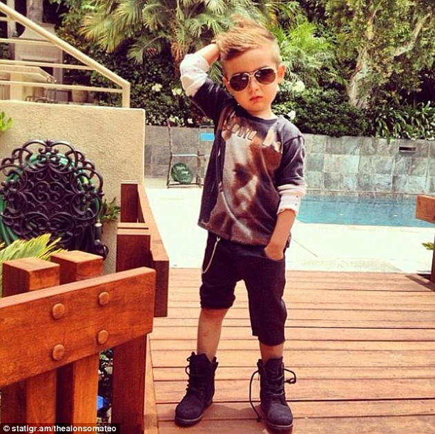 alonso-mateo-baby-fashion-bloger-8